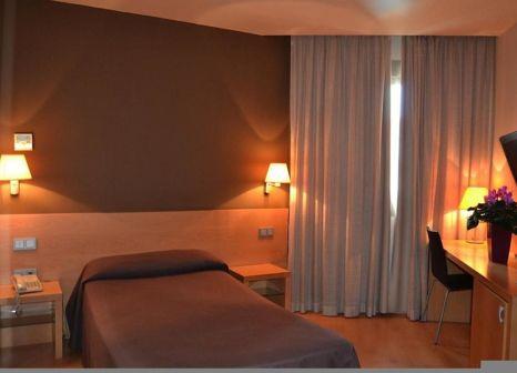 Hotelzimmer mit Mountainbike im Daniya Alicante