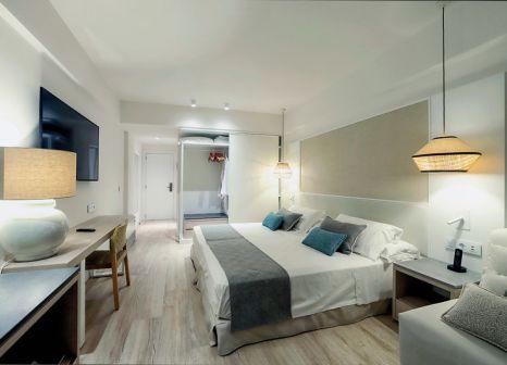 Hotelzimmer mit Volleyball im Grand Palladium Sicilia Resort & Spa