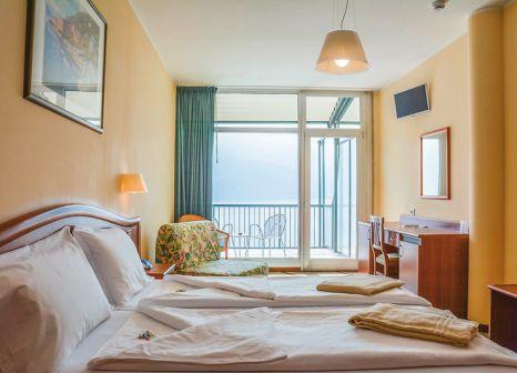 Hotelzimmer mit Kinderpool im Hotel Astor Limone
