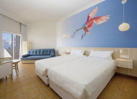 Hotelzimmer mit Volleyball im Iberostar Founty Beach