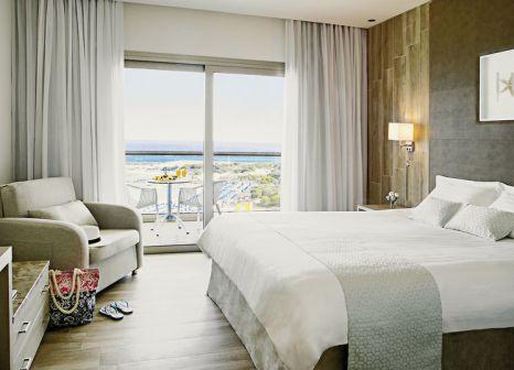 Hotelzimmer mit Yoga im Asterias Beach