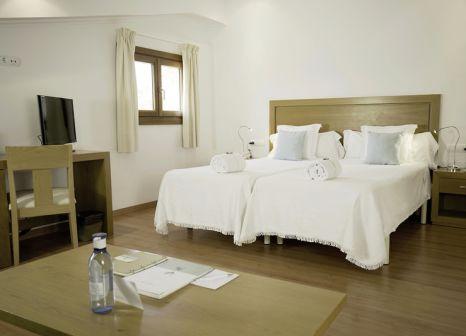 Hotelzimmer mit Mountainbike im Sa Bassa Rotja Ecoturisme
