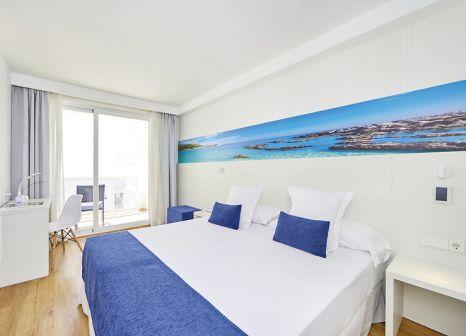 Hotelzimmer mit Tischtennis im Hotel Negresco