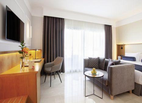 Hotelzimmer mit Mountainbike im Grupotel Playa de Palma Suites & Spa