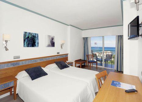 Hotelzimmer mit Mountainbike im Hotel Timor Mallorca