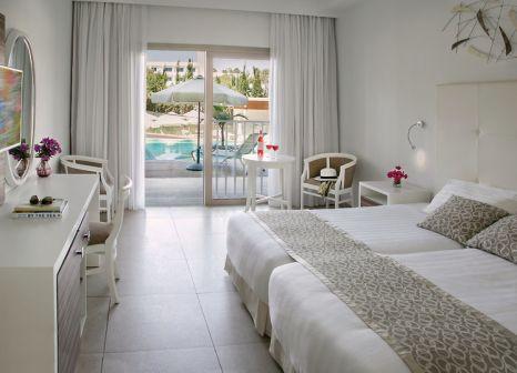 Hotelzimmer mit Volleyball im Asterias Beach