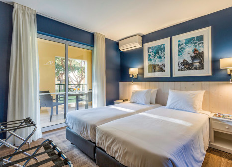 Hotelzimmer mit Volleyball im AP Adriana Beach Resort
