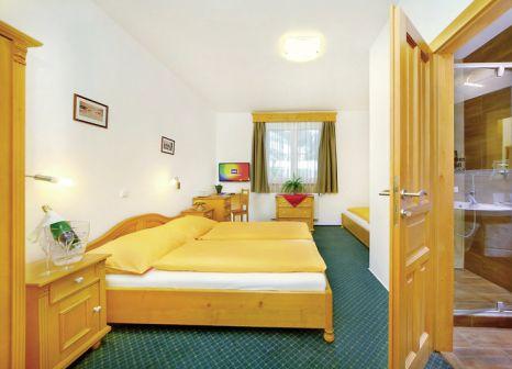 Hotelzimmer mit Volleyball im Hotel Olympie