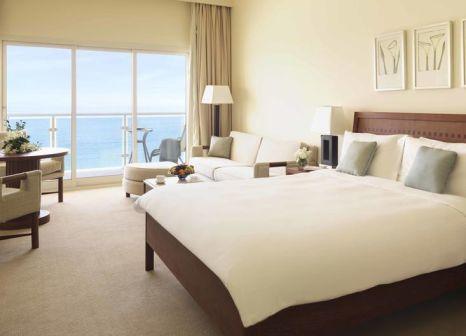 Hotelzimmer mit Volleyball im Radisson Blu Resort, Fujairah