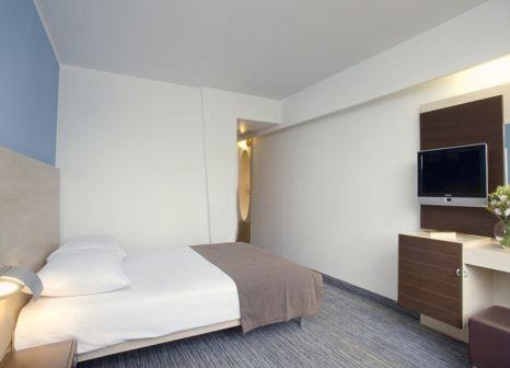 Hotelzimmer mit Mountainbike im Valamar Diamant Hotel