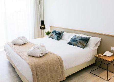 Hotelzimmer mit Mountainbike im Globales Cala Bona Suites