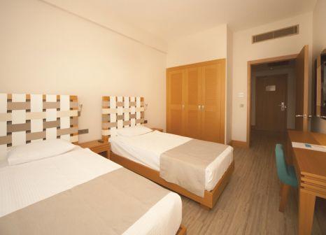 Hotelzimmer mit Volleyball im Jiva Beach Resort