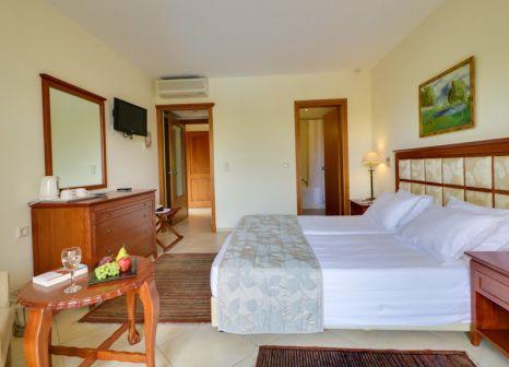 Hotelzimmer mit Yoga im Aegean Melathron Thalasso Spa Hotel
