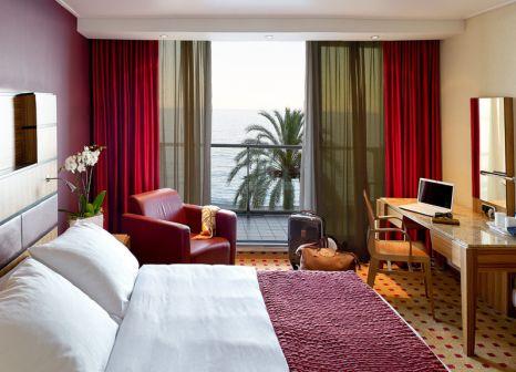 Hotelzimmer mit Golf im Radisson Blu Hotel, Nice