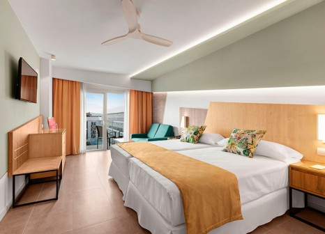 Hotelzimmer mit Mountainbike im Hotel Riu Playa Park
