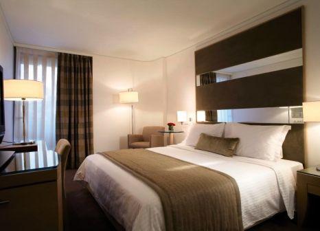 Hotelzimmer mit Mountainbike im Galaxy Hotel