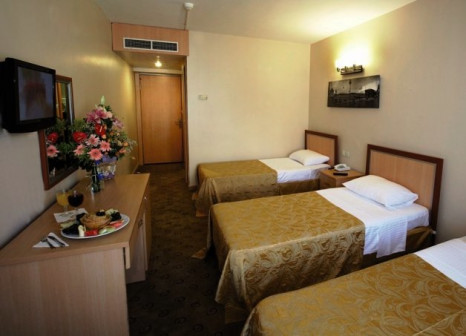 Hotelzimmer mit Pool im Martinenz