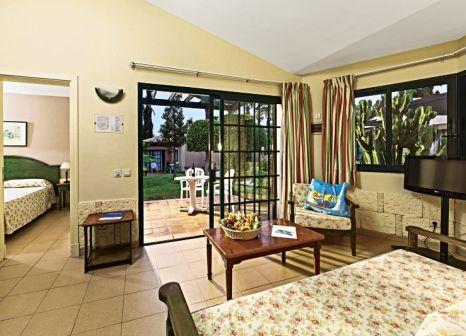 Hotelzimmer mit Volleyball im Allsun Hotel Esplendido