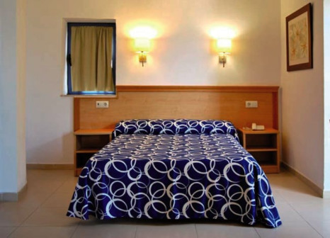 Hotelzimmer mit Mountainbike im Amaraigua