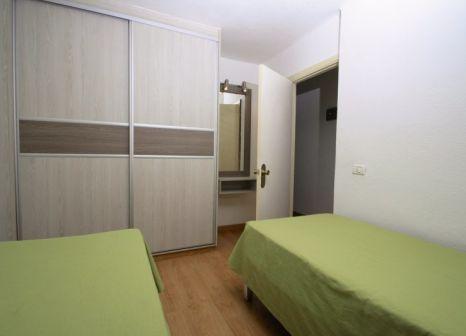 Hotelzimmer mit Mountainbike im Apartamentos Koka