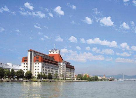 Hotel Hilton Vienna Danube Waterfront günstig bei weg.de buchen - Bild von 5vorFlug