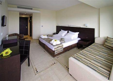 Hotelzimmer mit Volleyball im Cronwell Platamon Resort