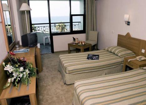Hotelzimmer mit Tischtennis im Elysee Hotel