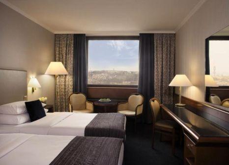Hotelzimmer mit Yoga im Panorama Hotel Prague
