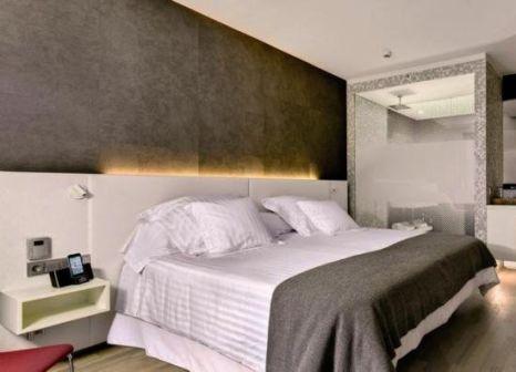 Hotelzimmer mit Mountainbike im Barceló Hamburg