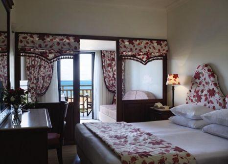 Hotelzimmer mit Volleyball im Roda Beach Resort & Spa