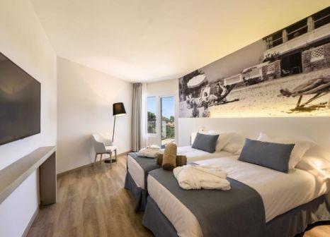 Hotelzimmer mit Volleyball im Hotel RD Mar de Portals