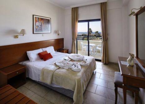 Hotelzimmer im Panareti Coral Bay Resort günstig bei weg.de