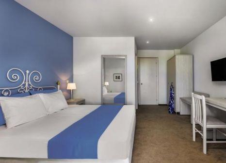 Hotelzimmer mit Mountainbike im Hotel Kriopigi