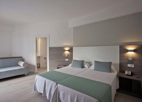 Hotelzimmer mit Mountainbike im FERGUS Bermudas