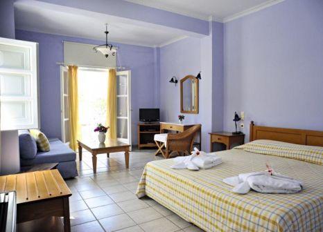 Hotelzimmer mit Mountainbike im OMMA Santorini