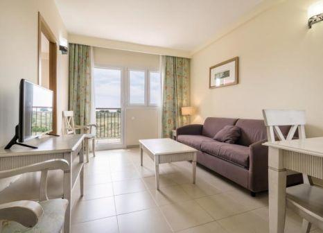 Hotelzimmer mit Volleyball im Aparthotel ILUNION Tartessus Sancti Petri