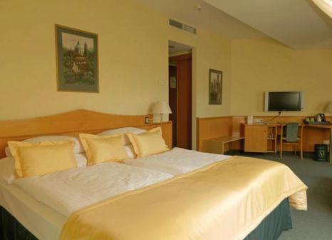 Hotelzimmer mit Hochstuhl im Best Western City Hotel Moran