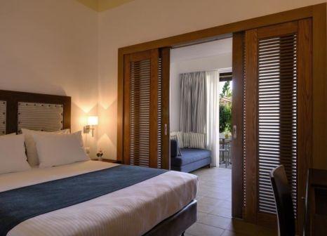 Hotelzimmer mit Volleyball im Lakitira Resort & Village
