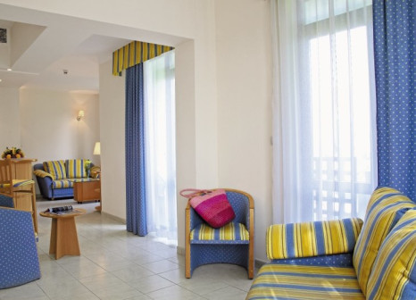 Hotelzimmer mit Volleyball im Hotel Lebed