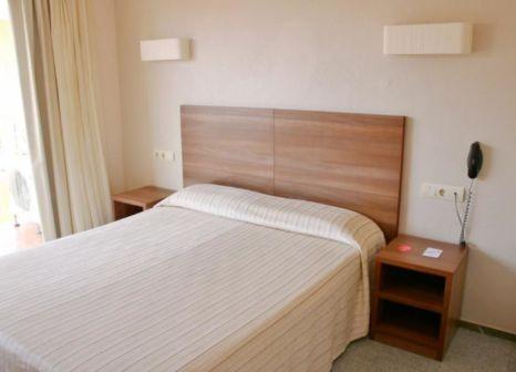 Hotelzimmer mit Mountainbike im ALEGRIA Espanya