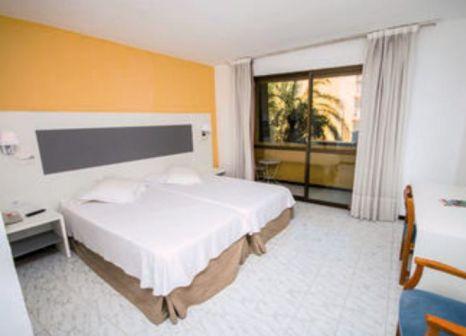 Hotelzimmer mit Mountainbike im Amic Miraflores
