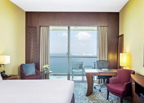 Hotelzimmer mit Wassersport im Sofitel Dubai Jumeirah Beach