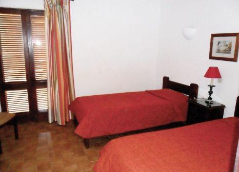 Hotelzimmer mit Mountainbike im Hotel da Aldeia