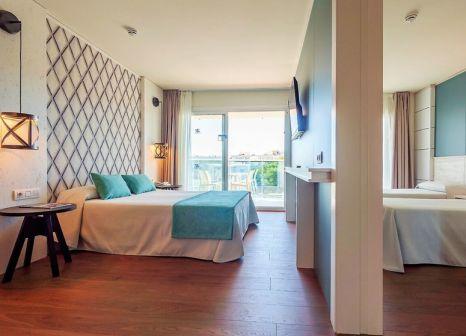 Hotelzimmer mit Volleyball im Golden Donaire Beach