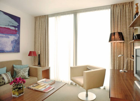 Hotelzimmer mit Hochstuhl im Park Plaza County Hall