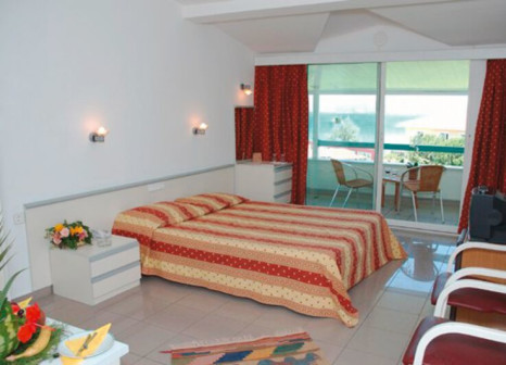Hotelzimmer mit Mountainbike im Ilica Hotel Spa & Thermal Resort
