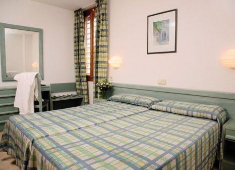 Hotelzimmer mit Volleyball im Hotel Seasun Siurell