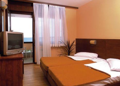 Hotelzimmer mit Volleyball im Hotel Donat