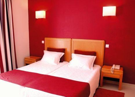 Hotelzimmer mit Golf im Grand Muthu Forte da Oura