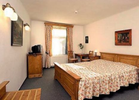 Hotelzimmer mit Hochstuhl im Old Inn